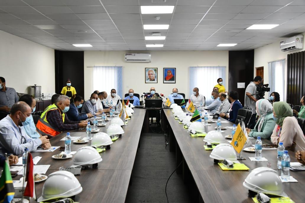 اجتماع وزير الإسكان ووزير الطاقة التنزانى