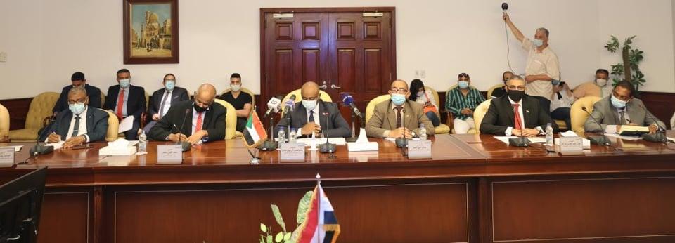اجتماع وزيرا الاتصالات مصر والسودان