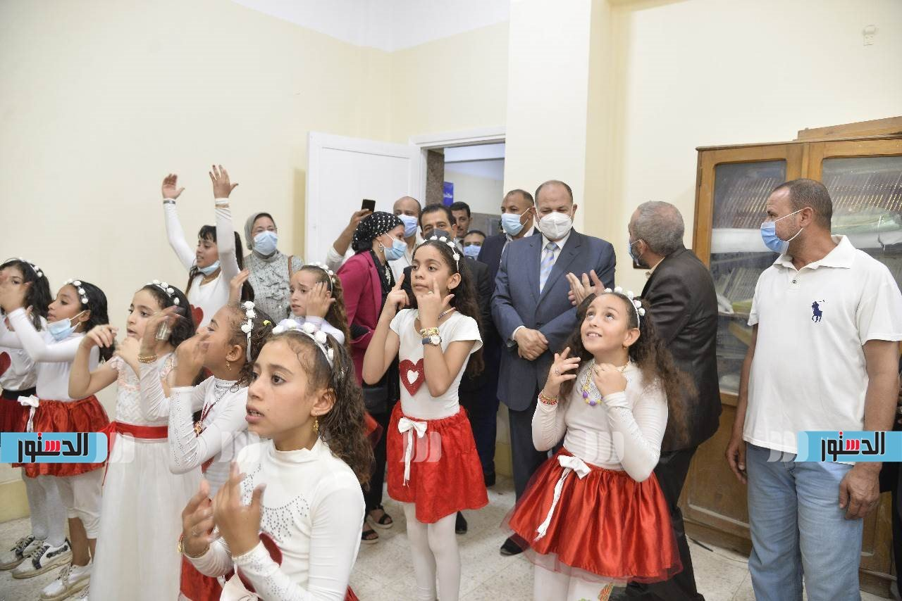 محافظ أسيوط يشهد انطلاق الفعاليات الثقافية والفنية بقصر ثقافة ساحل سليم (6)