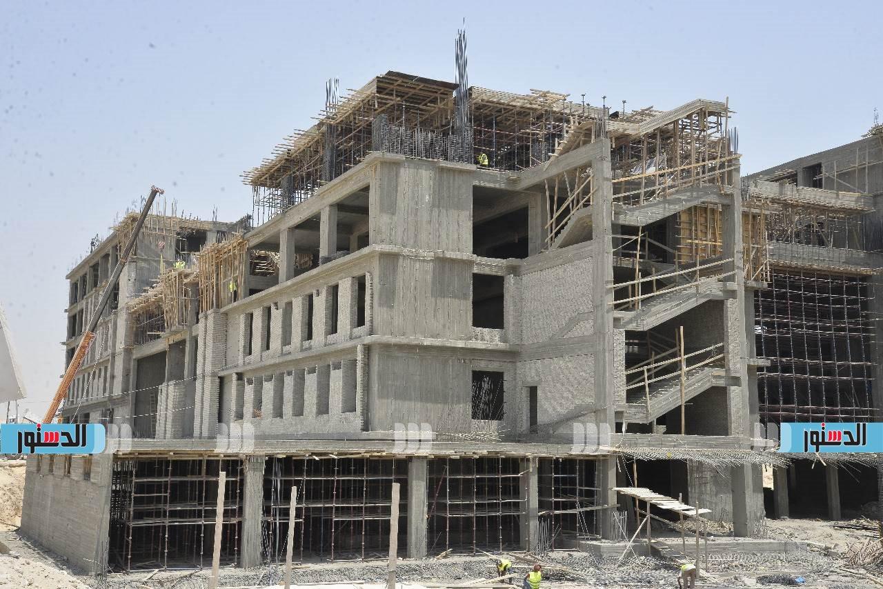 محافظ أسيوط يتفقد أعمال تنفيذ جامعة بدر بمدينة ناصر الجديدة  (12)