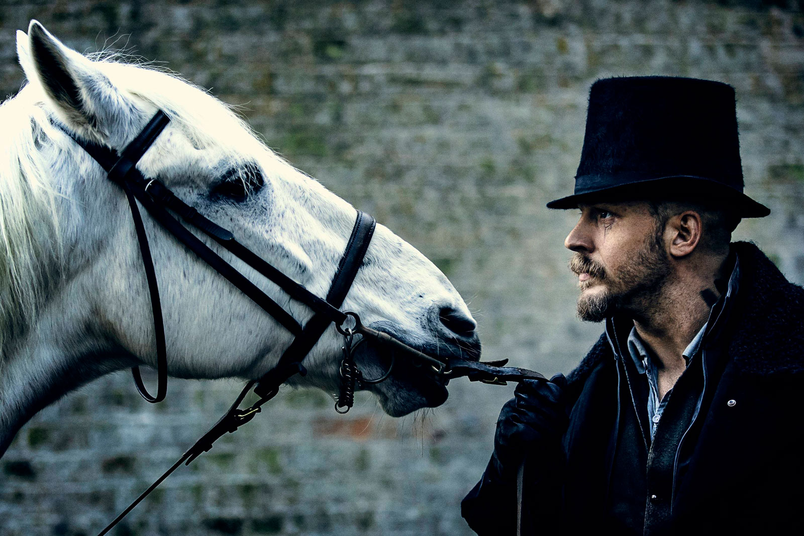 Publicity-still-of-English-actor-Tom-Hardy-2017