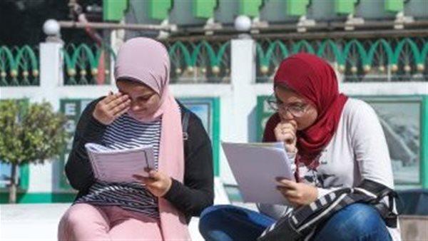 <a href='/news-1-1310721.html'>طلاب الثانوي العام يطالبون بحل المشاكل الفنيه بنظام التابليت</a>
