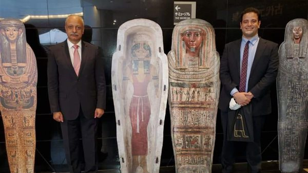 السفير المصري في اليابان يزور معرض الآثار الفرعونية المقام بطوكيو