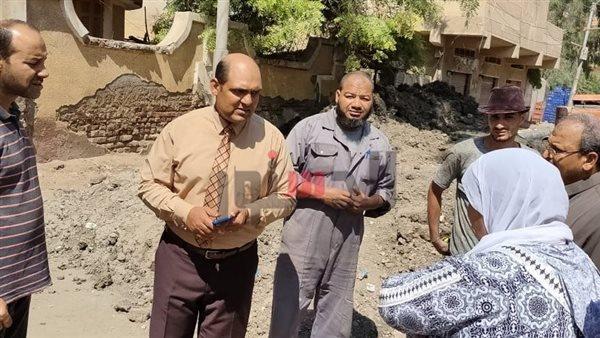 إصلاح هبوط أرضي بمدينة بيلا في كفر الشيخ