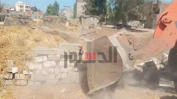 إزالة 400 حالة تعدٍ على أراضى الدولة فى كفر الشيخ